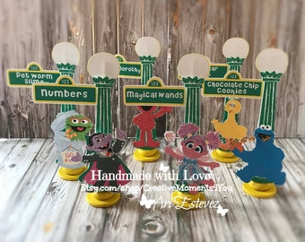 Sesame Street Mini Lamp Post, Elmo/ Sesame Street Food buffet card, Sesame Street Place Cards, Sesame Street Birthday Party / Set of 6