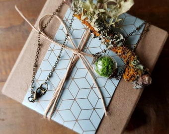 Moss Bead Necklace