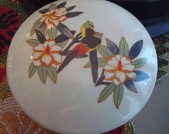Vintage Tropical Parrots & Flowers Trinket Box - Excellent Vintage Condition!!