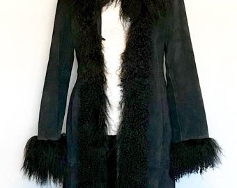 Vintage 70s Black Curly Lamb and Suede Coat       LV0093