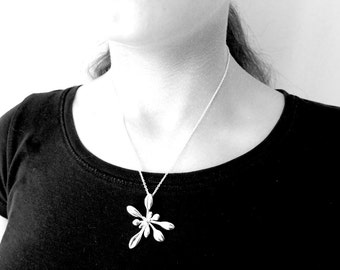Arabidopsis pendant, large rosette - Science Jewelry - Botanical Jewelry - Biology Gift for Her - Metal 3D Printing - Nerdy Gifts for Her