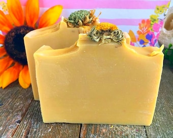 Sunflower Handmade Soap, Handmade Soap, Bar Soap, Yellow Soap, Floral Soap, Women's Gift, Gifts for her, Coldprocess soap, natural soap