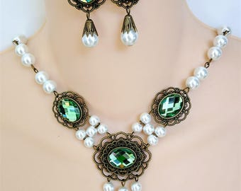 Renaissance Necklace, Earrings, Medieval Necklace, Tudor, Medieval Jewelry, Renaissance Jewelry, Game of Thrones, LadyShay, Peridot Green