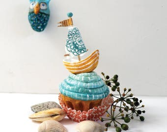 Cupcake Sailing Boat | Handmade sculpture on a cupcake | Scultpture | Mixed media | Boat | Miniature |