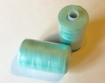 Sewing thread, 1000yds or 915m, pastel green