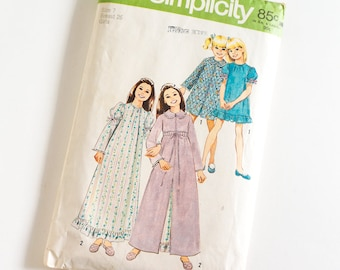 Vintage 1970s Girls Size 7 Robe and Nightgown in Two Lengths Simplicity Sewing Pattern 5339 Complete / b26 w23""