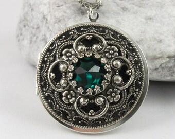 Vintage Silver Emerald Crystal Locket, Vintage Locket,Photo Locket, Valentine Gift For Her,  Wedding Locket Picture Locket