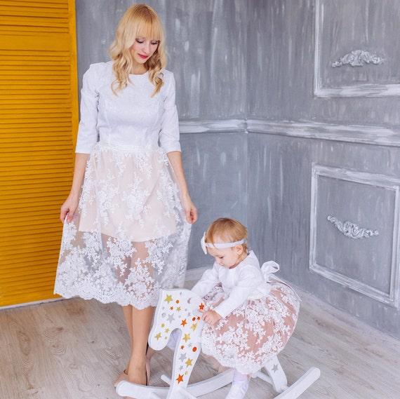 BEREIT zu versenden die passende Mutter-Tochter-Kleider