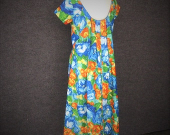 50s 60s Vintage Watteau Back Dress Cotton Aloha Hawaiian, Blue Tropical Floral, Hidden Waist Definer, South Sea's Fashions, Bust 36