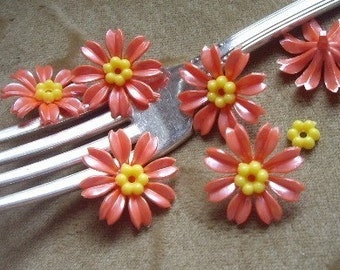 Vintage Lucite plastic salmon orange flower 20mm bead,cabachon with center bead, 10 sets