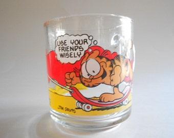 Vintage 1978 Garfield Glass Mug Skateboard Odie Dog Use Your Friends Wisely Garfield Mug McDonald's Mug Jim Davis Collectible Mug
