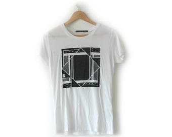 B Side Square graphic tee