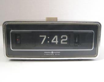 Mid Century General Electric Flip Clock Alarm Clock Lighted Dial