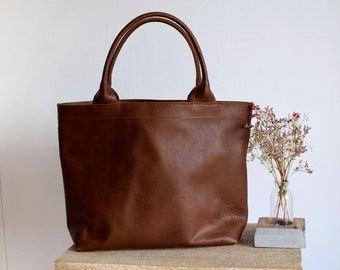 Ready to Ship! Tan / Cognac Leather tote bag with zipper and inside lining. Handmade.