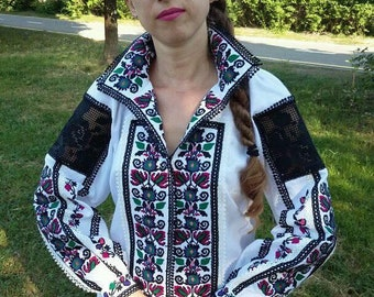 Designer embroidery/Ukrainian blouse vyshyvanka/Vyshyvanka/Peasant blouse/ vintage blouse /women's clothing/Ukrainian clothing