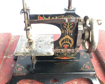 Beautiful Antique Casige Child Toy Sewing Machine
