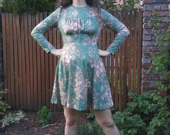 1970s does 1940s green + white floral polyester mini dress with pouf sleeves // small