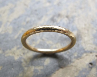 Women's hammered gold band ring - women's hammered textured wedding band ring in 9ct yellow gold