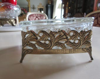 CRYSTAL BOX in Gold Metal STand