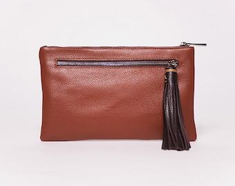 Sac à main Quick clutch/cuir pleine fleur caramel # 71/ pompon cuir chocolat # 62