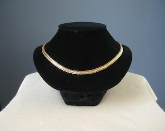 Snake Chain / Vtg 80s / Gold Tone Flexible Snake Chain Choker Necklace