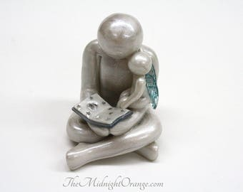 Reading With Daddy - Father and Baby Angel sculpture - add additional children - heartfelt gift for bereaved father - you choose wing color