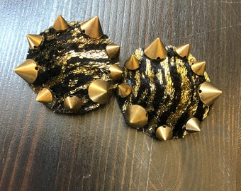 Shiny Tiger Spiked pasties