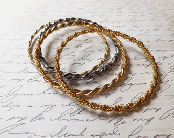Vintage Gold and Silver Tone Textured Bangle Bracelet Set of 4 / Gift for Her / K264