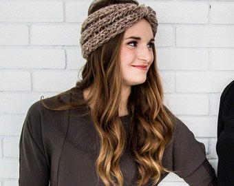 Ribbed knit headband in taupe