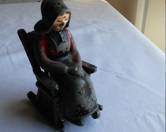 "Vintage 1960s Cast Metal Amish Woman Sitting in a Chair Salt&Pepper Shakers. 3 1/4"" tall seated."