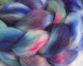 Hand dyed Romney wool tops - 4oz in Cool Blue