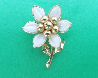 Signed CORO Flower brooch white glass petals AC022