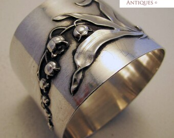 Beautiful Antique French (c1890) Sterling Silver Hallmark Large Serviette NAPKIN RING. 19th-century. Minerva .950. Muguet/Lily of the valley