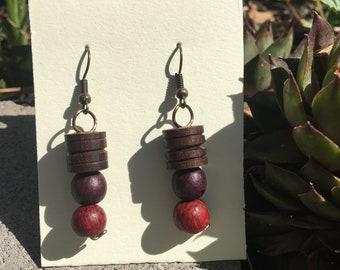 Wooden dangle earrings (red)