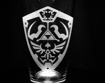 Legend of Zelda Hylian Shield Pint Glass