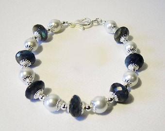 Helena labradorite and pearl bracelet