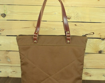 Waxed Canvas tote bag, Travel bag, canvas tote, waterproof tote bag, shopping bag, tote bag with leather, zipper bag.