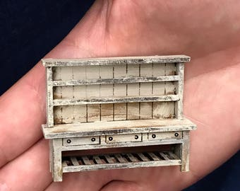 1/48th Dresser Shabby Chic complete