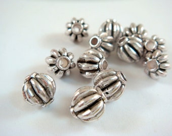 12 Silver Ribbed Metal Barrel Beads Tibetan Style Antique Melon LF/NF/CF 8mm - 12 pc - M7060-AS12
