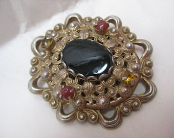 Shabby Black Amber Rust Brooch Gold Filigree Rhinestone Cab Vintage Pin