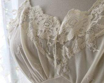 Wedding White full Vintage Slip size 34 by Sears