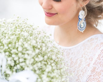 Wedding earrings with blue akcent