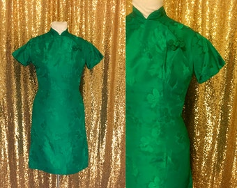 Vintage Satin Cheongsam Dress // 1960s Emerald Green Asian Dress // 60s Wiggle Dress // Holiday Party Christmas Cocktail Dress