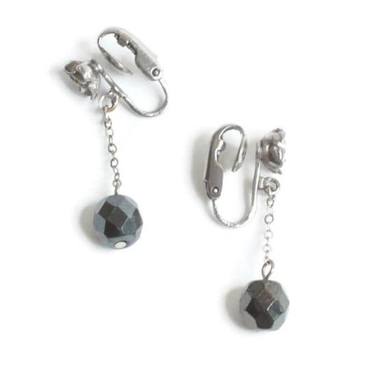 Dark Grey Faux Hematite Earrings Rosebud Accent Dangle Drop Clip On Vintage
