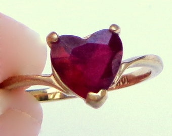 Size 5, Faceted Garnet Heart, 10K Solid Yellow Gold Ring, High Fashion Jewelry