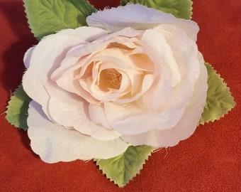 Pink flower pin / corsage