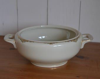 Porcelain Dekschaal (without lid) Zeh Scherzer, white with gold