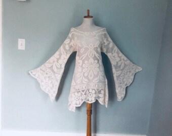 Vintage lace dress 70s White Lace Boho wedding dress Hippie Desert Boho Wedding Dress 1970s Sheer LACE Angel Sleeve Asymmetrical MiNi Dress