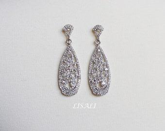 LISALI Vintage Crystal Earrings, Victorian Style Earrings, Statement Chandelier Earrings, Wedding Earrings , Wedding Jewelry,  Drop Earrings