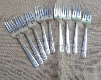 9 Silver Plate Forks EVERLASTING Dessert Forks Silverplate Flatware Wedding Decorations Table Decor 9 Salad Forks